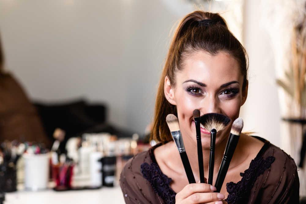 Cómo ser maquilladora profesional